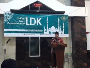 Ketua Al-Irsyad membuka training I di Jember